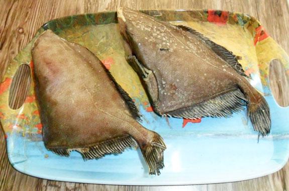 У рыбки дори довольно неприветливый вид, зато под свирепой внешностью скрывается тушка без костей с очень нежным мясом.