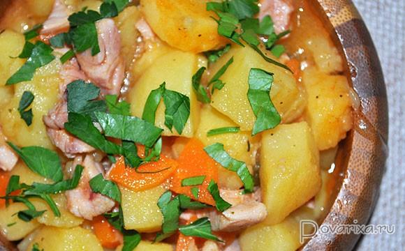 тушеная картошка с куриной грудкой рецепт с фото