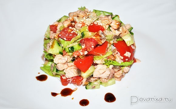 салат с красной рыбой и овощами рецепт