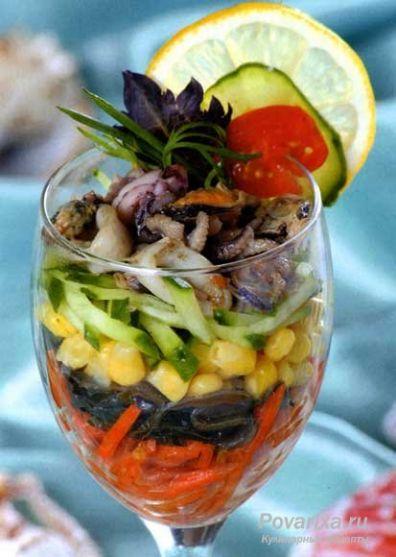 Рецепт - Салат-коктейль из морепродуктов.  Ингредиенты для рецепта.