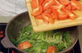 Тушеная баранина с овощами и курагой - фото №4