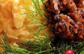 Картофель с грибными котлетами
