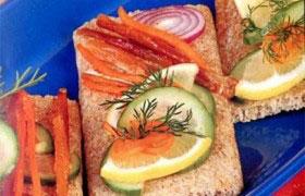 Острые бутерброды с семгой, лососем, форелью