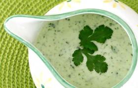 Соус из йогурта с зеленью
