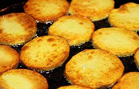 Картошка, поджаренная кружочками