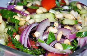 Салат из огурцов с черри