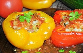 Фаршированный овощами сладкий перец