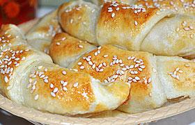 Круассаны (рогалики) с сыром и ветчиной