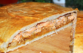 Пирог с рыбой и капустой