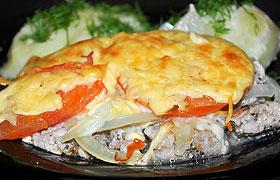 Запеченная свинина с овощами под соусом Бешамель