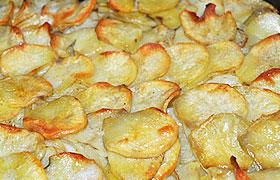 Запеченный картофель с луком по-французски
