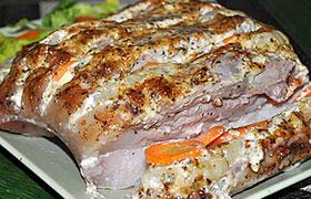 Свиная грудинка с ананасом и морковью