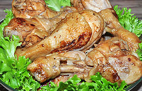 Тушеные куриные ножки в соево-медовом соусе
