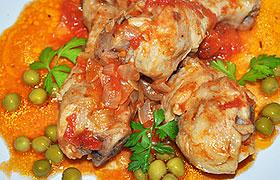 Куриные ножки в луково-томатном соусе