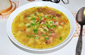 Картофельно-фасолевый суп с копченостями