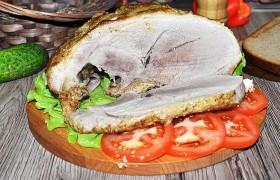 Запеченная свиная лопатка с горчицей