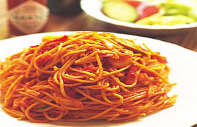 Паста с томатным соусом и кабачковой икрой