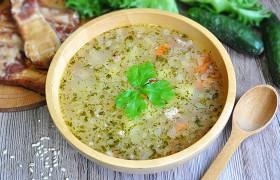 Картофельный суп с перловкой и копченостями