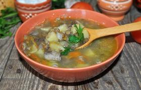 Картофельный суп с чечевицей без мяса