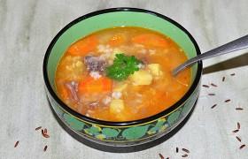 Картофельный суп с тушенкой и рисом