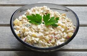 Салат из рыбных консервов с редисом