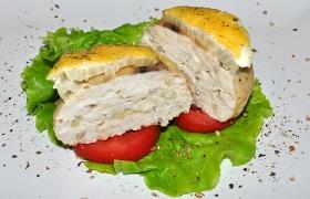 Запеченные куриные котлеты с сыром и грибами