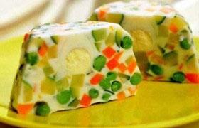 Закуска из овощей в желе из йогурта