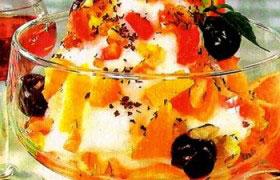 Салат «Лакомка» из фруктов и овощей