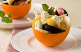 Фруктовый десерт в апельсинах