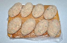 Котлеты «Необычные» с крабовыми палочками – кулинарный рецепт