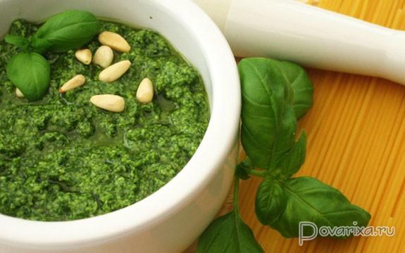 Рецепт итальянского соуса песто с грецкими орехами | 360x575