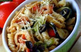 Макароны, запеченные с овощами и морепродуктами