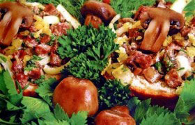 Горячие бутерброды с мясом и грибами