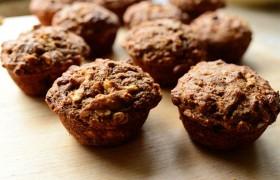 Вкусные маффины с орехами