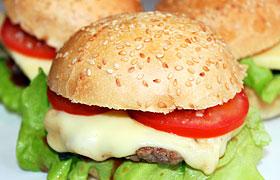 Домашний гамбургер (чизбургер)