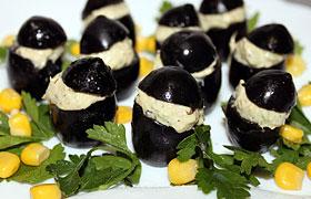 Маслины, фаршированные тунцом и авокадо