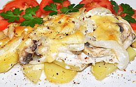 Куриное филе с грибами и картофелем в духовке