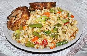 Пряный рис с овощами для гарнира