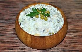 Салат из индейки с картофелем, яйцом и сыром