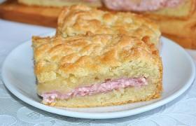Тертый пирог с творожной начинкой