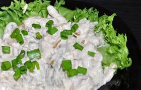 Бефстроганов из свинины с грибами в сливках