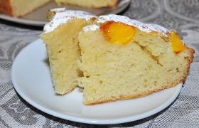 Простой пирог с фруктами или ягодами