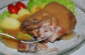 Свиные ребрышки, отваренные в маринаде