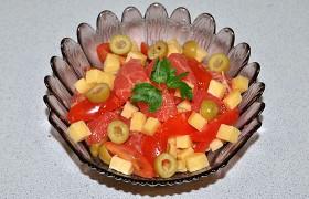 Салат кипрский с грейпфрутом