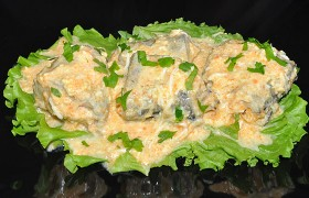 Минтай в сливочно-яичном соусе