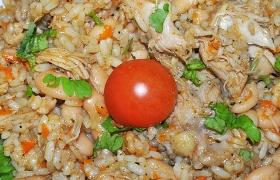 Курица с рисом и фасолью