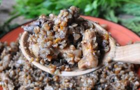 Гречка со свининой и грибами