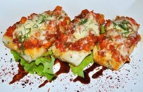 Филе щуки с томатной сальсой