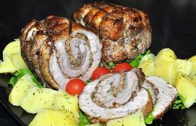 Рулет из свиной брюшины с орехами