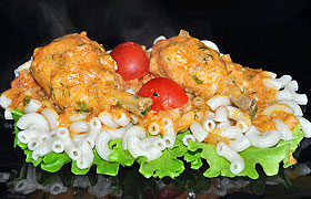 Куриные ножки в луково-сметанном соусе